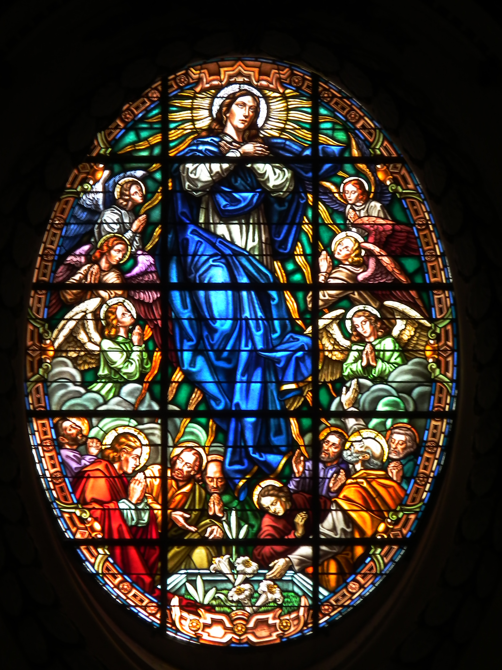 oval-window-with-mary-madonna.jpg
