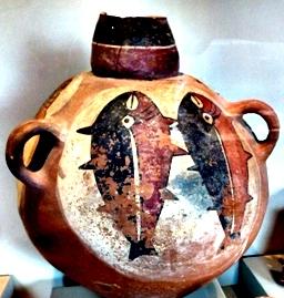 ceramic vase with 2 fisj